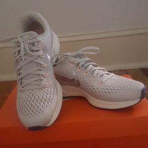 Womens Nike Air Zoom Pegasus 32